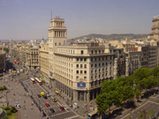 Refurbishment of the old Banesto Bank building to fit 46 housing units in Barcelona