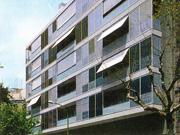 Edificio de 30 viviendas y aparcamiento en la calle Rocafort de Barcelona (Proyecto básico)